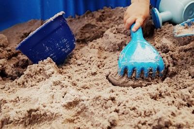 Sandspielzeug im Sand